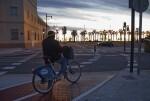 El Ayuntamiento abre un nuevo carril bici que permite llegar directo al mar desde Tarongers.