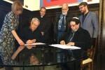 El Ayuntamiento firma convenios con las comunidades católica, musulmana e israelita para la prestación de asistencia religiosa en el Cementerio General.
