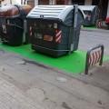 El Ayuntamiento inicia la señalización de islas de contenedores de reciclaje para mejorar su impacto visual.