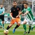 El Valencia empata frente al Betis (0-0) logrando un valioso punto. (Foto-Lázaro de la Peña).