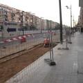 El carril bici de la avenida del Cid se abre paso desde el centro, apmliando las aceras de San Vicente.