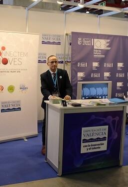 El diputado Bartolomé Nofuentes en la 'Global Robot Expo 2.017'.