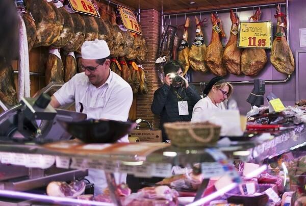 El premio Instagramer municipal 'Click al Mercat' ya ha recibido más de 1.100 imágenes de los mercados municipales.