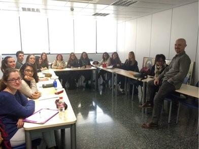 Participantes en un momento del taller.