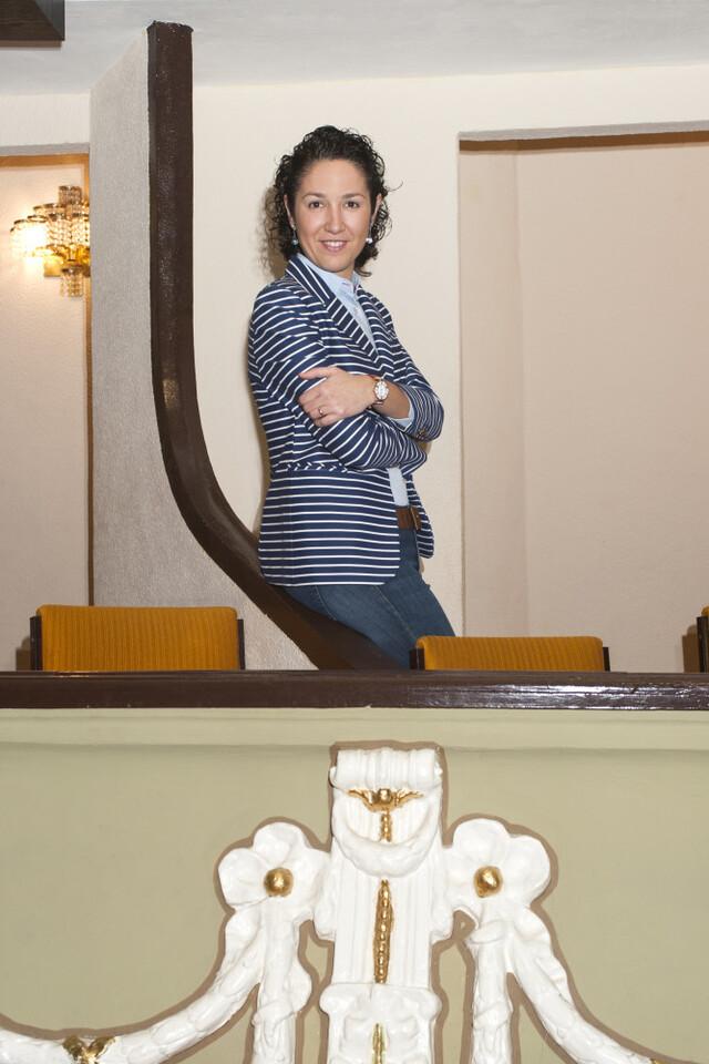 La joven directora Beatriz Fernández coordinará la actuación de 14 agrupaciones musicales en la Plaza del Ayuntamiento (2)