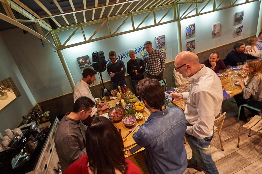 Las Cervezas del Mercado by BWK acogió la primera cata Bier Steak Tartar. Show Cooking (5)