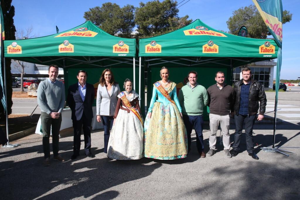 Las Falleras Mayores de València presentan la primera mascletàde las Fallas disparada por un aficionado, este martes 28 (1)