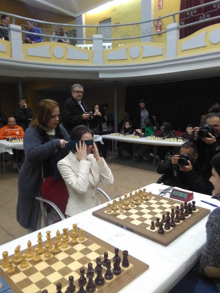Mariya Muzychuk, preparada para jugar a la ciega