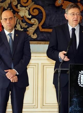 Puig se ha comprometido a rehabilitar todos los colegios y acabar con los barracones en Alicante antes de que acabe la legislatura.