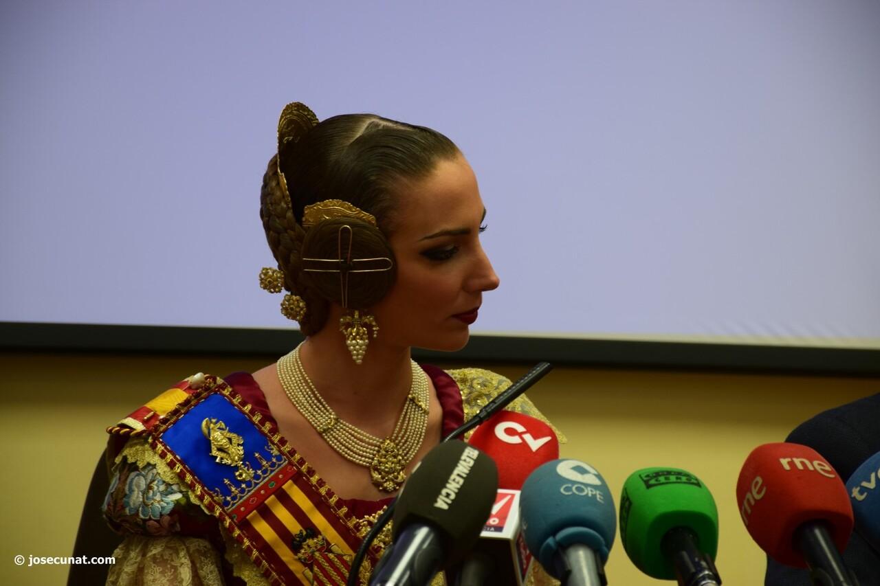 Raquel Alario 'Nit del Espolín', un espectáculo que unirá la artesanía sedera y la pirotécnia (45)
