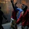 Unos 350 inmigrantes logran entrar en Ceuta en un nuevo salto masivo al vallado.