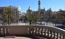 balcón del ayuntamiento 'Nit del Espolín', un espectáculo que unirá la artesanía sedera y la pirotécnia (64)