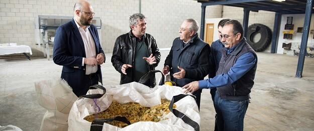 Bort visita la planta de reciclaje en Agullent. (Foto-Abulaila).