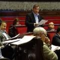 Ciudadanos insta al tripartito a incrementar la limpieza en la plaza del Ayuntamiento. (Santiago Benlliure en el Ayuntamiento).