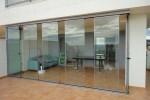 Cortinas de cristales, un tipo de cerramiento para disfrutar de la terraza también cuando hace frío.