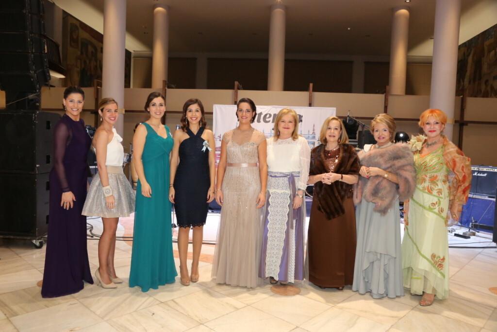 El Ateneo Mercantil de Valencia celebra su Gala Fallera (1)