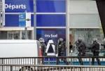 El agresor del aeropuerto de París gritó que quería 'morir por Alá' antes de ser abatido por una patrulla militar.