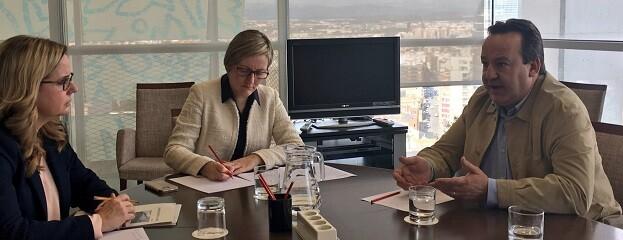 El concejal Vicent Sarrià se ha reunido hoy con la consellera María José Salvador para tratar sobre los trabajos, que supondrán una inversión de 2,2 millones de euros.