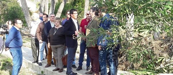 El presidente, Jorge Rodríguez, visita el complejo rural El Cerrao, en las afueras de Sot de Chera.