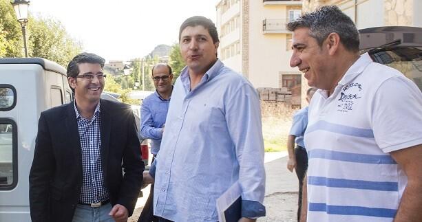 El presidente de la Diputación de Valencia, Jorge Rodríguez, en su última visita al Rincón de Ademuz. (Foto-Abulaila).