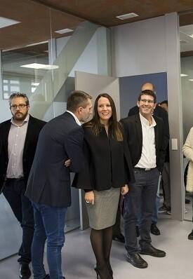 El presidente de la Diputación de Valencia, Jorge Rodríguez, en su visita al centro cívico de Moncada. (Foto-Abulaila).