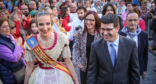 El presidente de la Diputación de Valencia, Jorge Rodríguez, y la Fallera Mayor de Valencia, Raquel Alario.