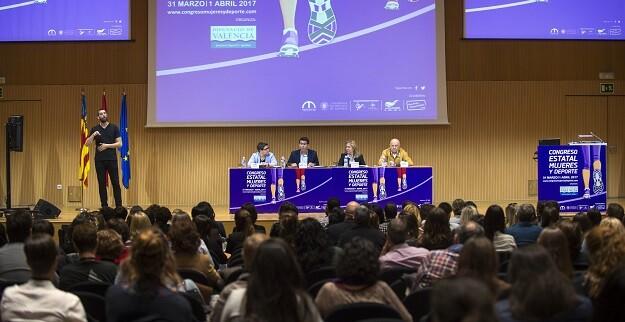 El presidente de la Diputación de Valencia inaugura junto a la diputada Isabel García el primer congreso de ámbito estatal sobre gestión deportiva. (Foto-Abulaila).