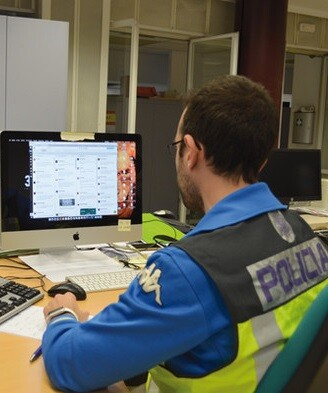 En una operación pionera en Europa contra la piratería en Internet.