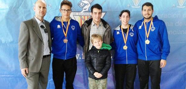 Fran Valero y Sofía Pérez campeones del Torneo a espada y Javier Valero medalla de bronce en la misma arma.