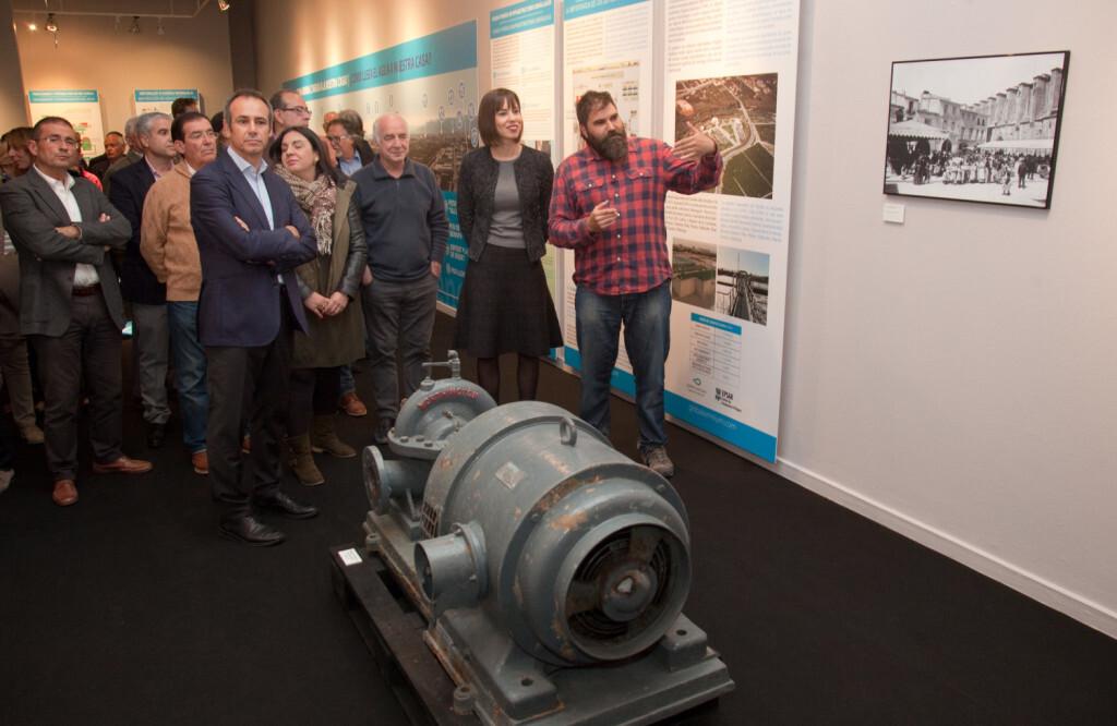 """Global Omniumaguas de Valencia y el Ayuntamiento de Gandia inauguran la exposición """"Gandia, fets d'aigua"""" (3)"""