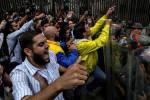 La OEA y la oposición venezolana claman contra el 'autogolpe de Estado' de Maduro contra el Parlamento.
