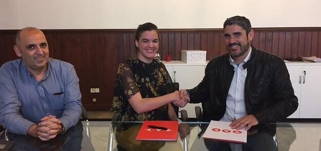 La concejala de Desarrollo Sostenible ha firmado esta mañana un convenio de colaboración con ACIPMAR.