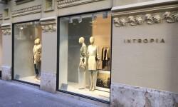 La firma española INTROPIA cambia de ubicación en Valencia y apuesta por un concepto más boutique (33)