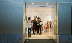 La firma española INTROPIA cambia de ubicación en Valencia y apuesta por un concepto más boutique (42)
