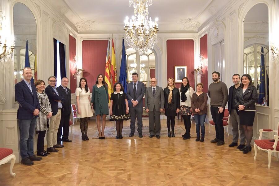 Las reinas de las fiestas de la Magdalena 2017 visitan Les Corts Valencianes (2)