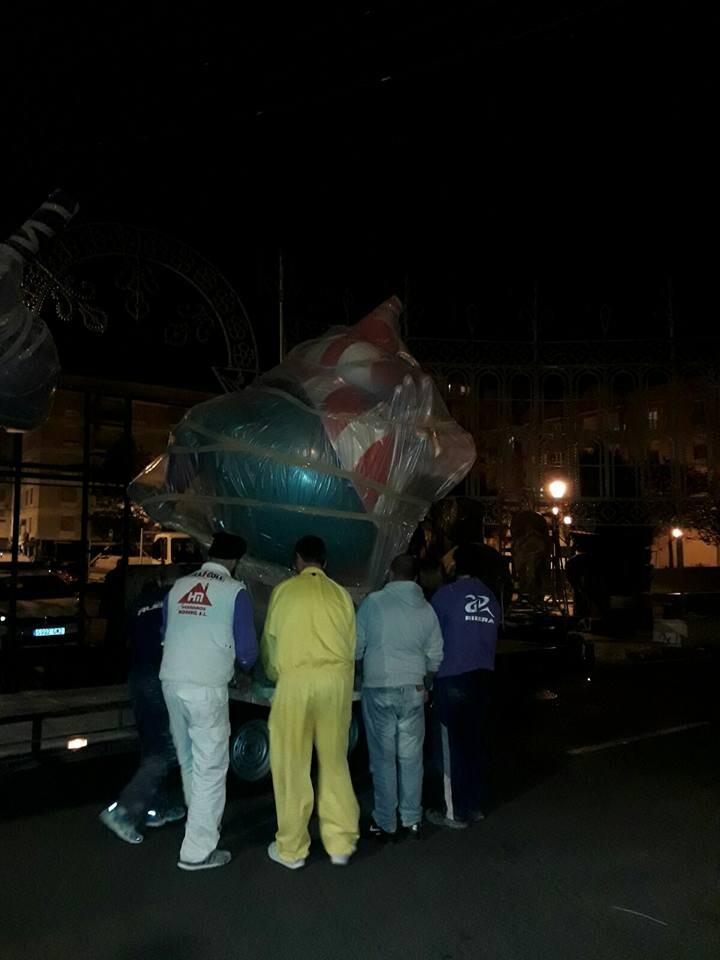 Llegan las primeras piezas del monumento grande 2017 de Malvarrosa (1)