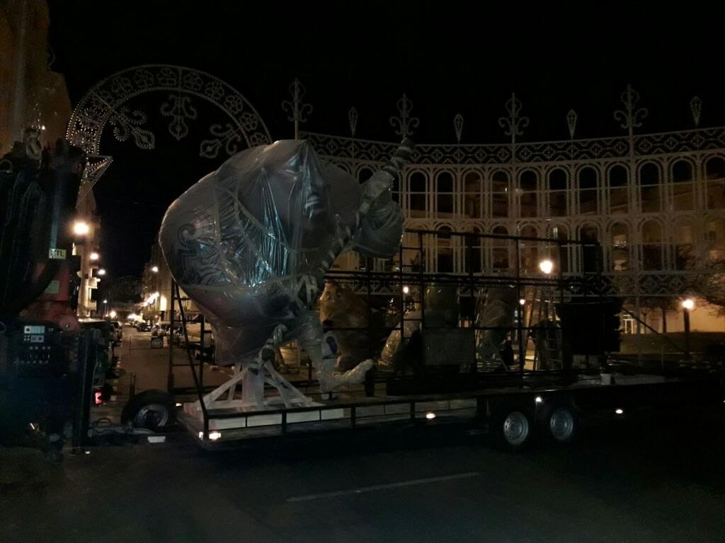 Llegan las primeras piezas del monumento grande 2017 de Malvarrosa (2)