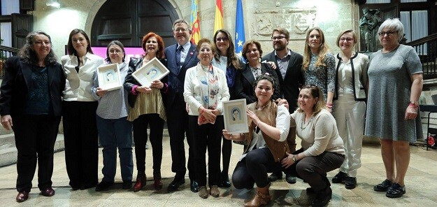 Los Premios Isabel Ferrer de la Generalitat han reconocido a Carmen Alborch, las mujeres pescadoras de El Palmar y Neus Albertos por su lucha por la igualdad efectiva entre mujeres y hombres.