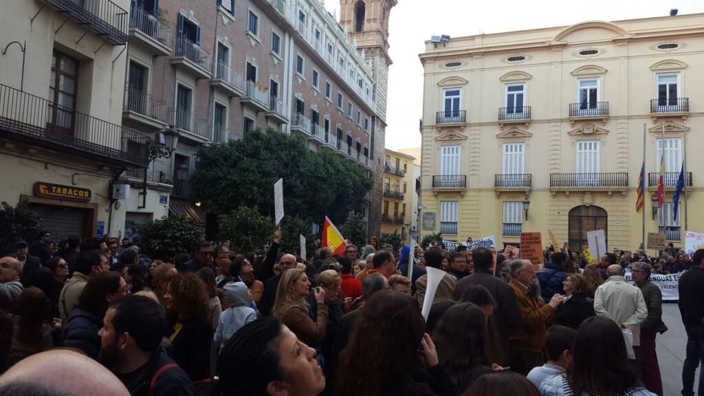 Manifestación por el decreto plurilingüe de Marzà y rechazo a la política lingüística llevaba a cabo el tripartito en Valencia (1)