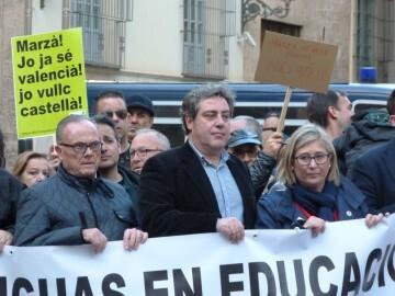 Manifestación por el decreto plurilingüe de Marzà y rechazo a la política lingüística llevaba a cabo el tripartito en Valencia (4)