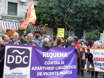 Manifestación por el decreto plurilingüe de Marzà y rechazo a la política lingüística llevaba a cabo el tripartito en Valencia (5)
