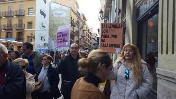 Manifestación por el decreto plurilingüe de Marzà y rechazo a la política lingüística llevaba a cabo el tripartito en Valencia (6)