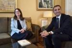 Oltra y Sánchez acuerdan constituir una mesa técnica para elaborar un decreto de armonización y planificación de servicios sociales.