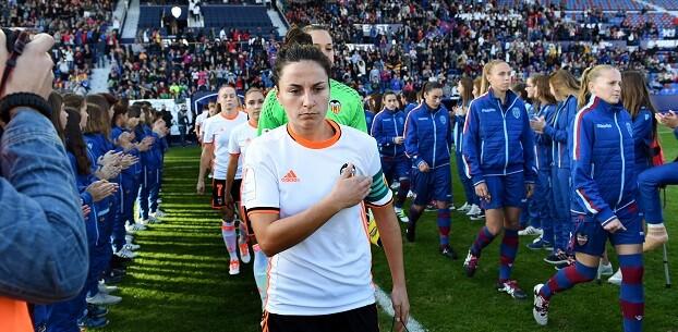 Partido de liga femenina. (Foto-Abulaila).