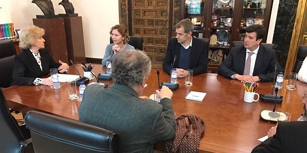 Reunión de Ciudadanos con la Defensora del Pueblo.