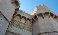 Torres de serranos Turismo de Valencia pone en marcha Fallas tour (5)