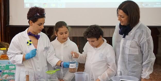 Un programa educativo, lanzado con motivo del Día Mundial del Agua, enseña a los alumnos la importancia de cuidar y respetar el medio ambiente.