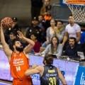 Valencia Basket asalta la pista del líder al vencer al Iberostar Tenerife (62-65).