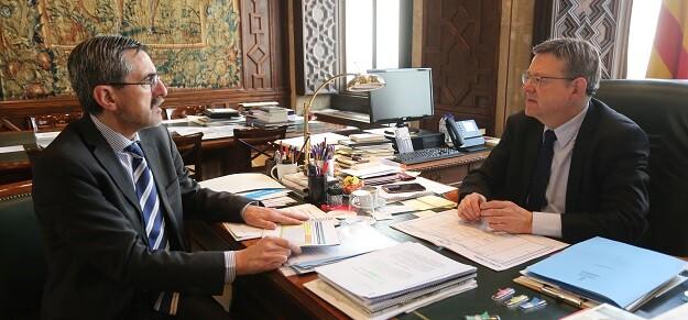 Ximo Puig junto a José María Ángel.