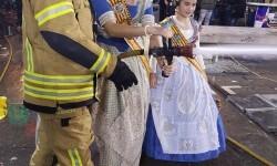 homenaje a los bomberos de Valencia en Fallas 20170319_224057 (21)